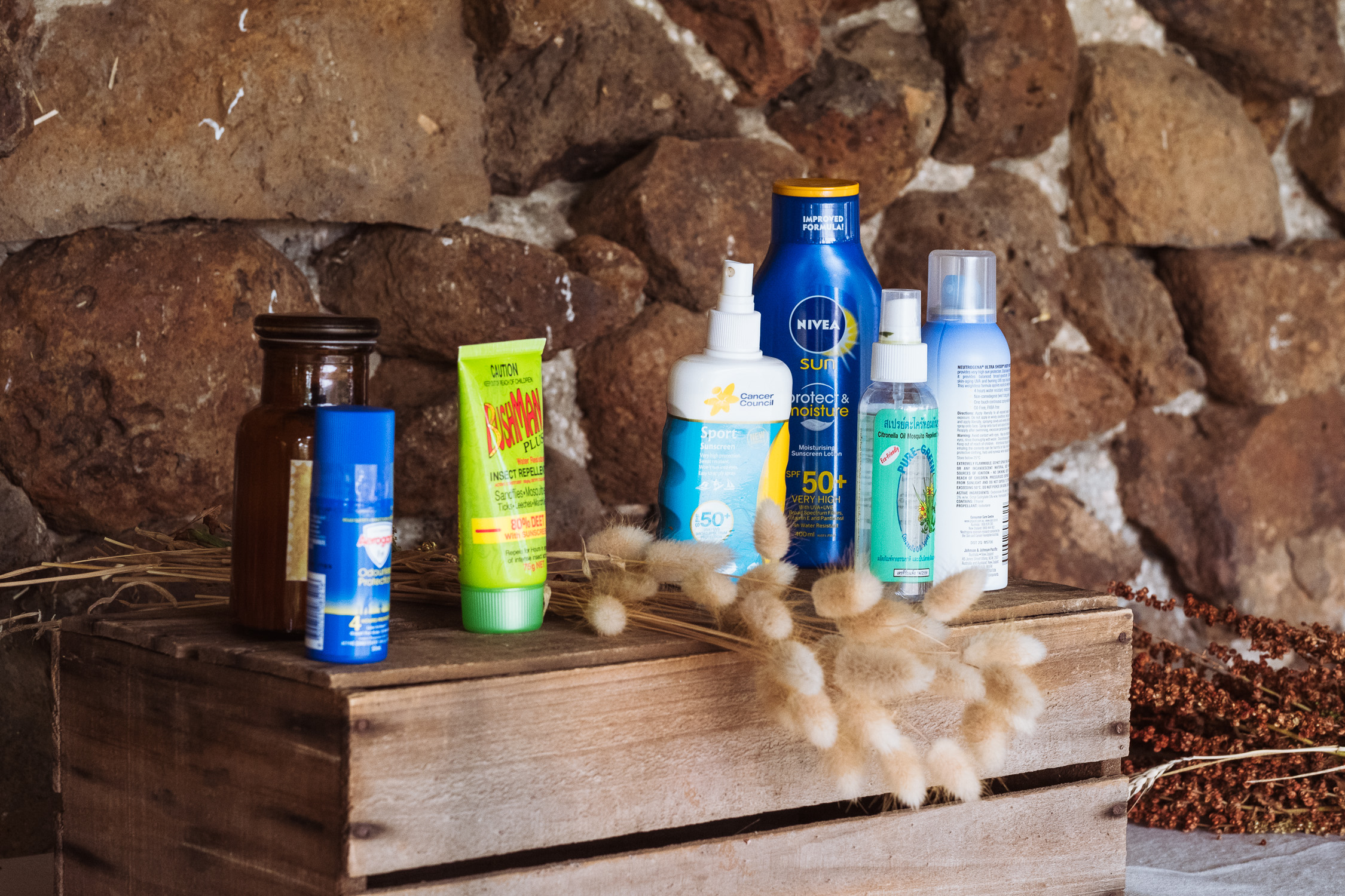 Melbourne Sunnystones Camp Wedding - suncare for guests at outdoor ceremony